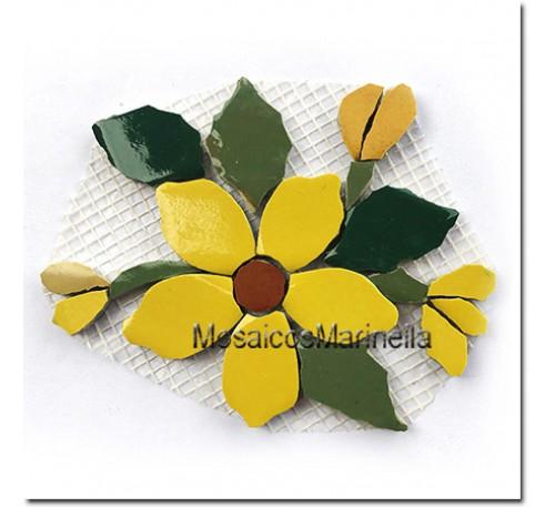 flor com botões amarela
