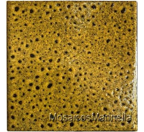 Cerâmica  decorada amarelo com pintas  pretas